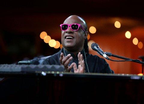 Stevie Wonder landet fredag kveld på norsk jord. Lørdag kveld er han klar for Kirketorget.