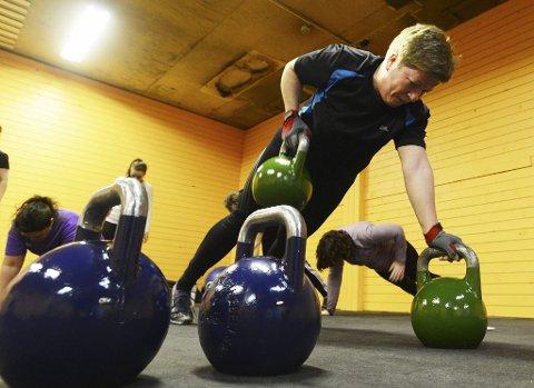 Trine Elverum trives godt med Burn Fat Boot Camp på Ringshaug. – Det er hard trening fritt for rumpevrikk og dansetrinn, sier hun.