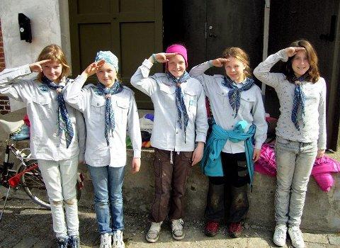 Alltid beredtBenedikte Sørensen Hertzenberg, Nora Løvdahl Gamnes, Cathrine Onstad, Vilde Geirsdatter Løvdahl og Caroline Hererra. Foto Joachim Larsen