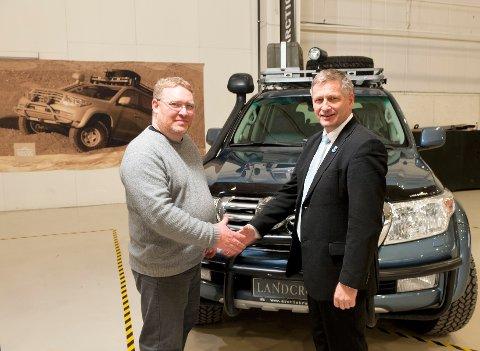Örn Thompson, daglig leder i Artic Trucks, fikk ordføreren i Drammen på besøk.