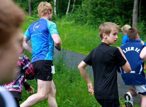Flere av testløperne - deriblant Bjørn Dæhlie - trodde løypa gikk opp til venstre rett etter starten. Det viste seg å ikke stemme. Den gikk nemlig ned til høyre.