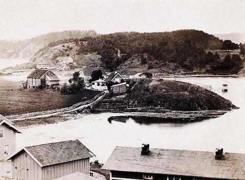 """Bekkelaget med Ormøya i bakgrunnen. Øverst til venstre på bildet er huset """"Ormsund""""."""