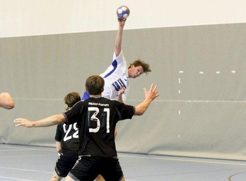 LØSNET: Henrik Petersen viste seg frem borte mot Haugaland og scoret syv ganger.FOTO: ARKIV
