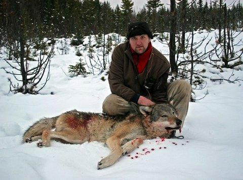 Jaktleder Odd Arne Ås sier at det er uheldig at den jaktfrie buffersonen inn mot forvaltningsområdet for ulv har blitt så stort. – Vi kunne tenkt oss å jakte litt lenger sør, men det får vi ikke gjort noe med nå, sier han. (Arkivfoto: Lars Gangås, Statens naturoppsyn)