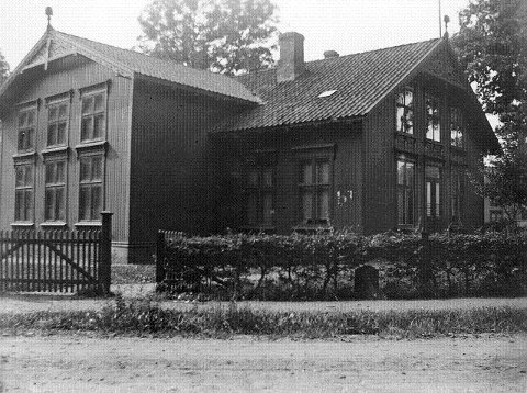 Arbeiderforeningens hus. FOTO: LOKALHISTORISK ARKIV