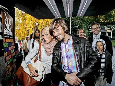 Gledet seg:  Karianne Kjærnes og Per Emil Grimstad var blant de lokale kulturansiktene på åpningen av Nonstopfestivalen.