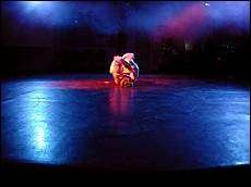 VAKKERT: Danserne Åse Sigrid Torp, Tina Østby, Mari Dæhli og Maren Stabel Tvedt er fire av mange store talenter i forestillingen «Bivrost». Foto: Silje Marie Lien