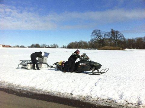 Ved gravhaugene på Borre, 11. mars i år, ble det for første gang utført undersøkelser med georadar montert på en snøscooter. Det ble blant annet funnet rester av et stort husanlegg, noe som styrker teorien om Borre som kongssete i vikingtid.