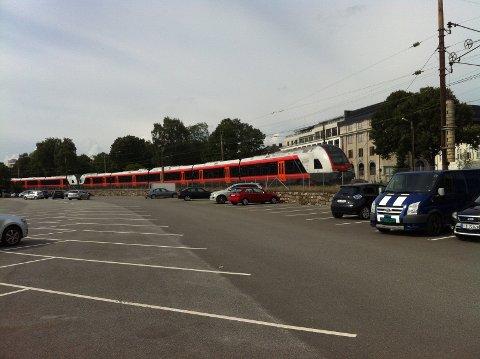 Søndag arrangerer Hamar Venstre byvandring med fokus på jernbanetraseer.