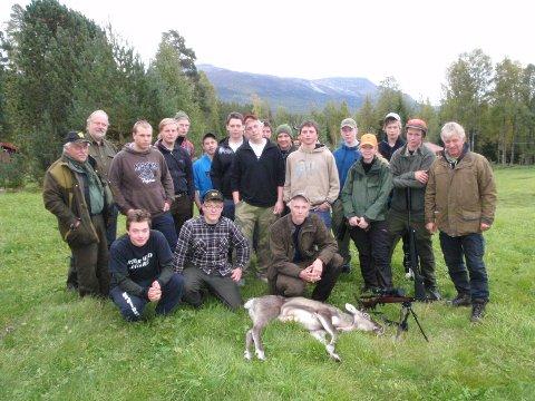 Elever og lærere fra KOVS Saggrenda og Naturbruksgymnasiet i Ljusdal.