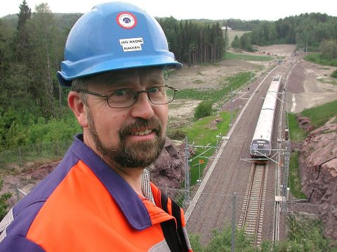 BYGGER TIL HØSTEN: Jan Magne Nakken, prosjektleder i Jernbaneverket. Foto: Ralf Haga