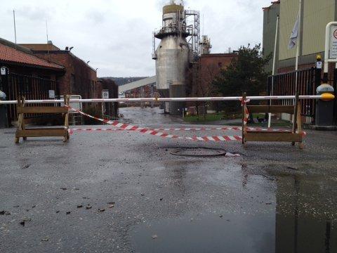 Bommen er nede og det er slutt for industrien ved Peterson Paper i Moss. 260 ansatte mister jobbene sine.