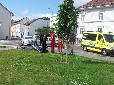 Sammenstøtet skjedde ved Svend Foyns arbeiderboliger i Storgata. Politi og ambulanse rykket ut.