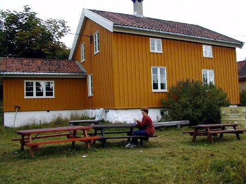 FORBLIR STENGT: Utfartsstedet Nygård i Bærumsmarka har vært stengt siden 1. juli i fjor. Nå blir gjenåpningen ytterligere utsatt. Asker-selskapet Sommer som vinter AS er valgt ut til å ta over driften. FOTO: FREDDY NILSEN