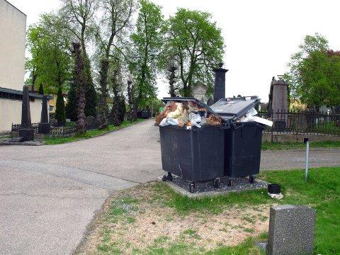 Mange har ryddet gravene før 17. mai.