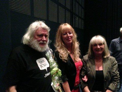 Gunnar Bjerketvedt, filmens komponist Anniken Paulsen og Torill Stokkan koste seg etter premieren på «Munchs mødre».