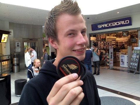 Kent Magnus Bratli (17) er én av 115.000 som nå fortetrekker snus fremfor sigaretter.
