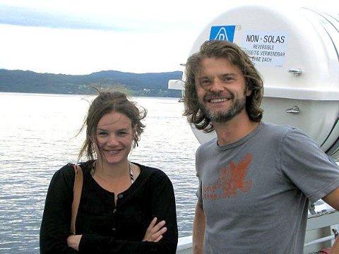 MYE FERJE: Ruth tok med den kommende ektemannen Thomas Ruud Sollien på rundtur i Hardanger.