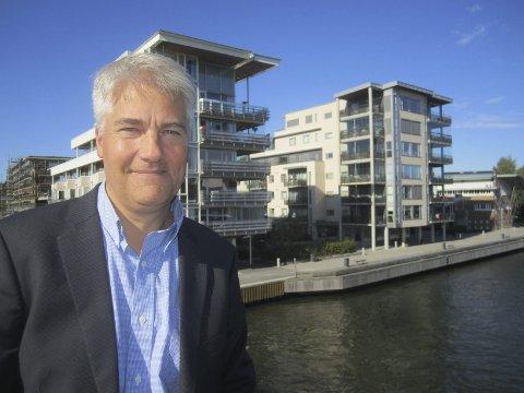 Nedgang: Øystein Dørum spår noe nedgang i boligbyggingen, og at en svak økonomisk utvikling gjør at det også blir fire ganske svake år for boligprisene. FOTO: Tore Tindlund