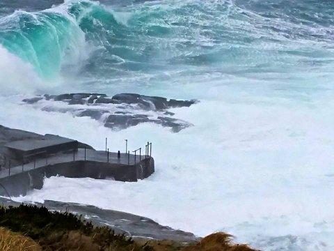 Ellinor Klovning tok dette bildet av en gigantbølge ved Ryvarden lørdag.