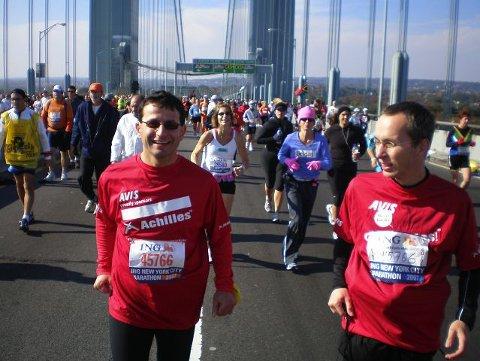 Bedir Yiyit løp ifra ledsageren sin under New York Marathon. foto privat