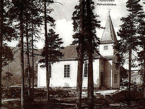 METODISTKIRKEN: Dette bildet er fra 1918, altså 20 år før Notodden fikk sin egen kirke til erstatning for interimskirken på Villamoen.