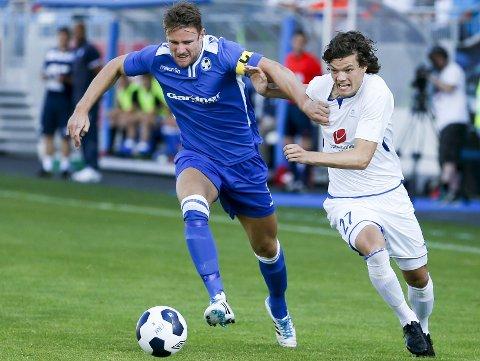 Lite spilletid: Tor André Skimmeland Aasheim (t.h.) spilte totalt 27 minutter i eliteserien sist sesong. Her er 18-åringen i aksjon i europacupen mot UK Airbus på Haugesund stadion, der han spilte 1. omgang.foto: NTB SCANPIX