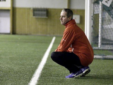 I gang: Vards nye trener Knut Erik Folland har lagt bak seg sin første hele treningsuke med A-laget. foto: Grethe Nygaard