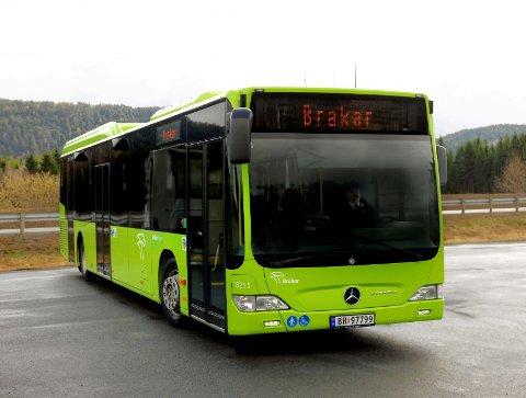 Fra 1. mai skifter Buskerud Kollektivtrafikk navn til Brakar. (Foto: Arild Sønstrød)