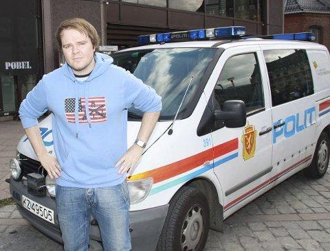 Politiet står maktesløse overfor mindreårige som kynisk utnytter ordningen med kriminell lavalder, mener formann Ove A. Vanebo i Fremskrittspartiets Ungdom.