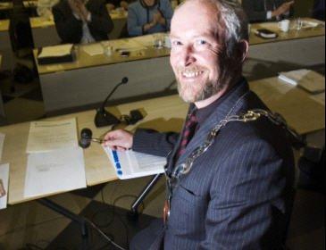 Her får Ole Haabeth fylkesordførerkjedet på for første gang i 2007. Nå ser det ut til at han får beholde jobben i fire nye år.