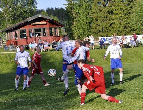 1-0: Nybygdas Anders Sterud utligner til 1–1 hjemme mot Redalen 2.