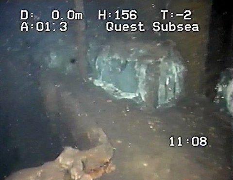 DEKKLAST.Litt av dekkslasten - celluloseballer - ligger fortsatt på dekk, her bak aktre lasterom. FOTO: QUEST SUBSEA/VIDAR JORDAL