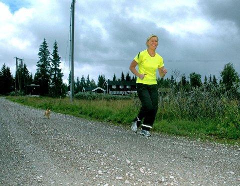 Susanne Frenningsmoen er svært fornøyd med den positive omtalen Åmot kommune får i helsedirektoratets nyeste brosjyre, for satsingen på psykisk helse.
