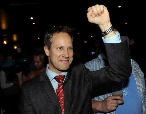 Jon-Ivar Nygård kunne løfte neven i været, og feire årets valgseier.