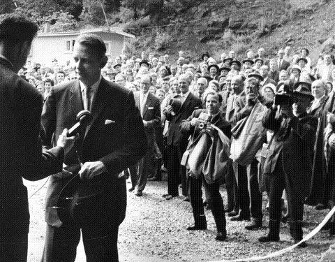 Åpnet spiralen: Åpningen av Spiralen 8. juni 1961 innledet feiringen av byens 150 år. Statsråd Andreas Cappelen var snorklipper for anledningen. Foto Andreas Nøkleby i Jo Sellægs samling