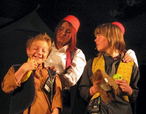 Elevene viste ekte spilleglede under forestillingen i gymsalen på Åvangen skole.