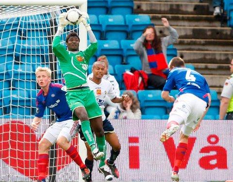 Stabæks keeper Mande Sayouba er tilbake etter kneskaden, og spilte hele kampen for Stabæk 2, borte mot Moss. Bildet er hentet fra kampen mot Vålerenga tidligere i år.