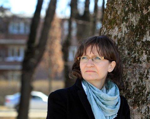 BETENKT: Hilde Vermedal var døden nær med svangerskapsforgiftning på Bærum sykehus for seks år siden. Det er grunn til å spørre seg hva sykehuset lærte av denne hendelsen. FOTO: KARL BRAANAAS