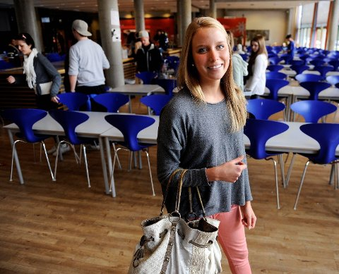 Fanny Nørgaard er spesielt opptatt av kvaliteten i skolen. Hun blir yngste medlem i det nye bystyret med sine 18 år. Foto: Olaf Akselsen