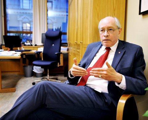Arbeiderpartiets parlamentarisk nestleder Martin Kolberg opplyser at han tok kontakt med «de riktige personene», men avviser at det har vært utidig press.