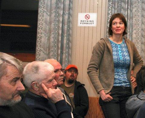 REDD BONDE: Ingrid Benzen har 49 bufe gående ute ved gården, og stilte spørsmål hva hun skulle forsvare disse med som ikke har våpen.