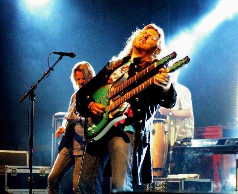 Strengemester Lars Håvard Haugen leverte gitarsoloer som fikk gåsehuden til å stritte.