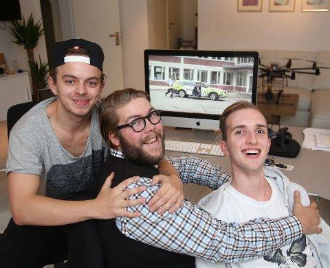 F.v Magnus Solhaug Hofgaard, Emil Olafsson, Audun Lillekjendlie som har vært med å lage YouTube-video for å promotere Rud-elevenes skolerevy.