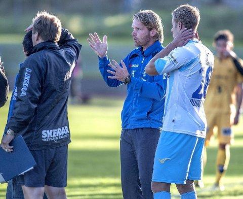 Follo-trener Hans-Erik Eriksen var fornøyd med tirsdagens treningskamp. Alexander Ruud Tveter (t.h.) scoret tre av målene mot spanske CF La Nucia