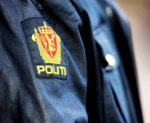 GROVT TYVERI: Politiet ønsker tips i det de betegner som et grovt tyveri fra en villa i Os sentrum.