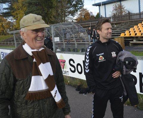 SLUTT: Jørgen Jalland gitt beskjed om at han gir seg som trener i Ørn. Her sammen med pappa Roar, som er styreleder for de brune. foto: Vidar Kalnes