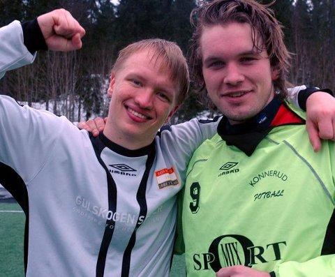 AVGJORDE. Konnerud-jubel ved Petter Harila (t.v.) og Rune Haraldsen etter triumf i Konneruds egen vinterserie. FOTO: GEIR JOHANNESSEN