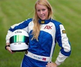 mulighet. Jeg er utrolig glad jeg har fått muligheten til å dra utenlands for å drive med det jeg brenner for, sier ungjenta Ayla Ågren (19) fra Slemmestad.