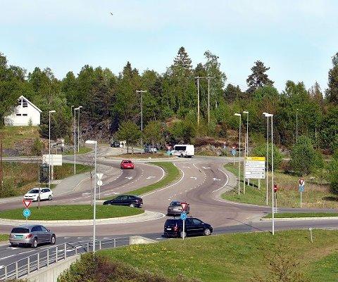 Ordføreren synes det hadde vært spennende med en IKEA-etablering på en tomt i bakgrunnen på dette bildet fra området ved Mosseporten senter.  FOTO: Geir Hansen